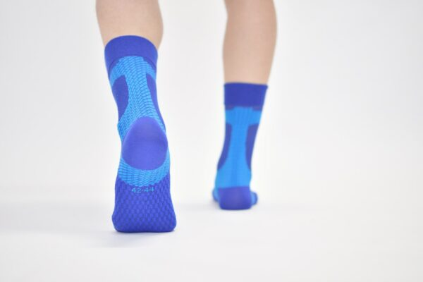 ACHILLES SUPPORT TAPE SOCKS – MEDIUM COMPRESSION – BLUE